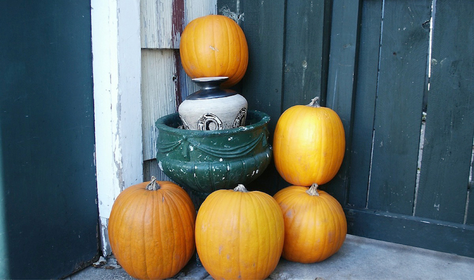 Our Favorite Fall Porch Decoration Ideas