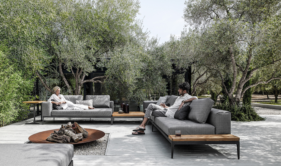 Comfortable seating makes for a worry free outdoor entertaining space.