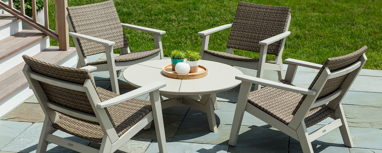 Seaside Casual Mad Fusion Chat Summer House Patio