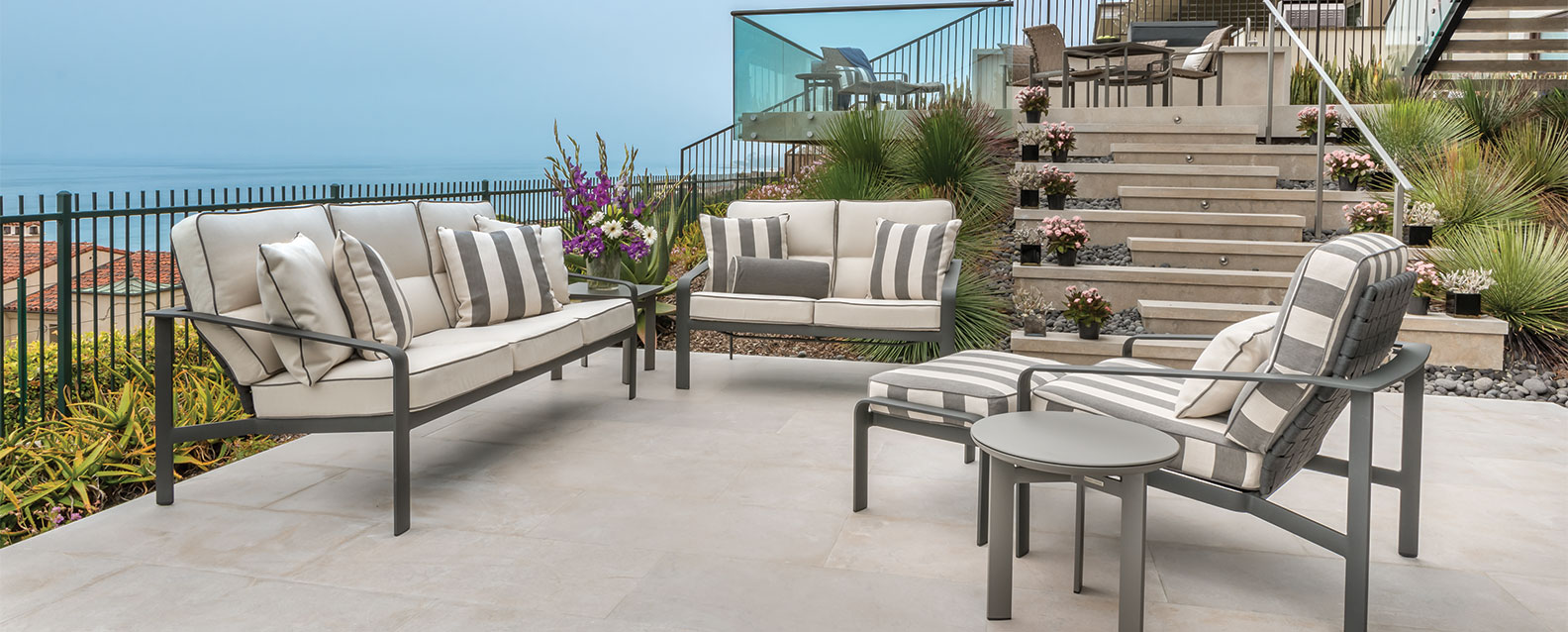Brown jordan softscapes cushion seating summer house patio for Brown jordan lawn furniture